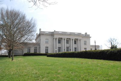 Kentucky Governor's Mansion from the front lawn