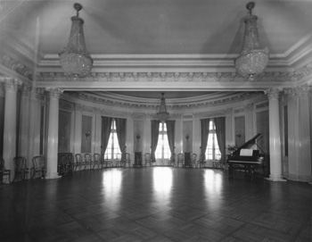 Ballroom in the Knetucky Governor's Mansion.