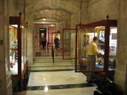 Kentucky State Capitol display cases