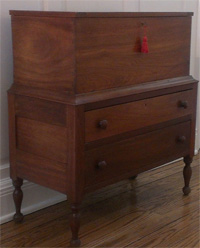 Walnut and poplar wood Kentucky sugar chest ca.1810-1820