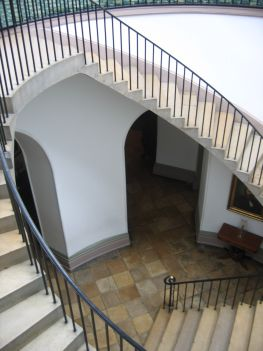 Central rotunda that features an exceptional self-supporting staircase